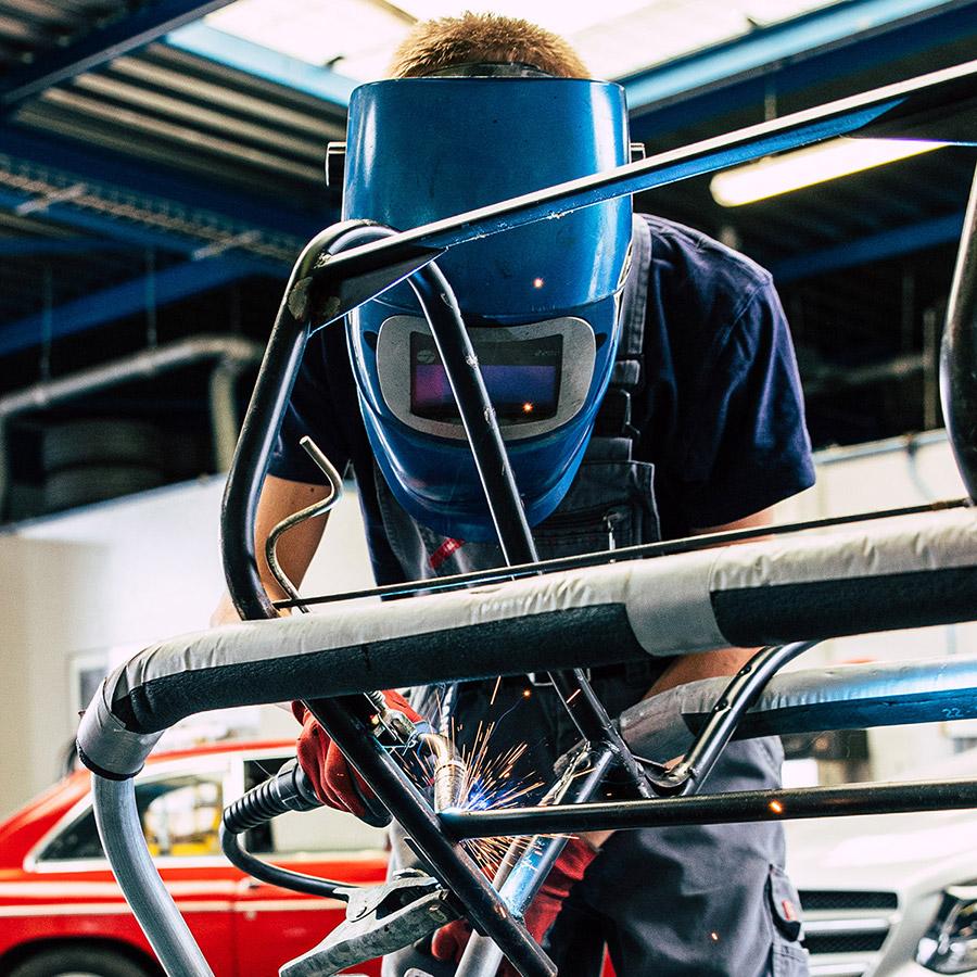 photos de l'équipe du garage des corbières